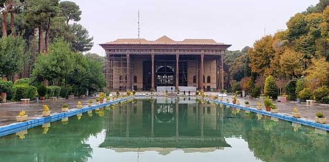 Chehel Sotoun Place; Persian Garden